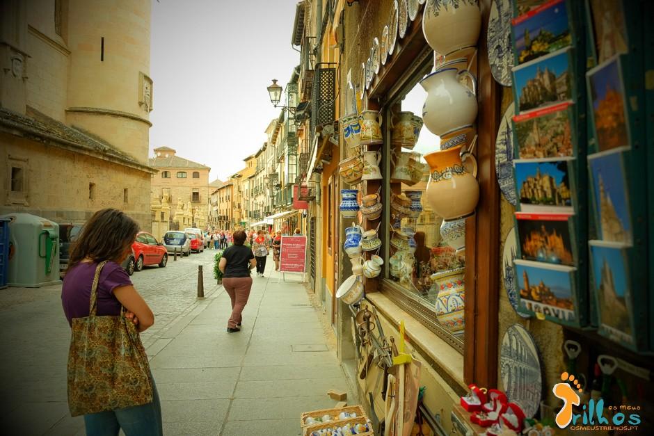 Segovia_osmeustrilho- Calle Juan Bravo-1