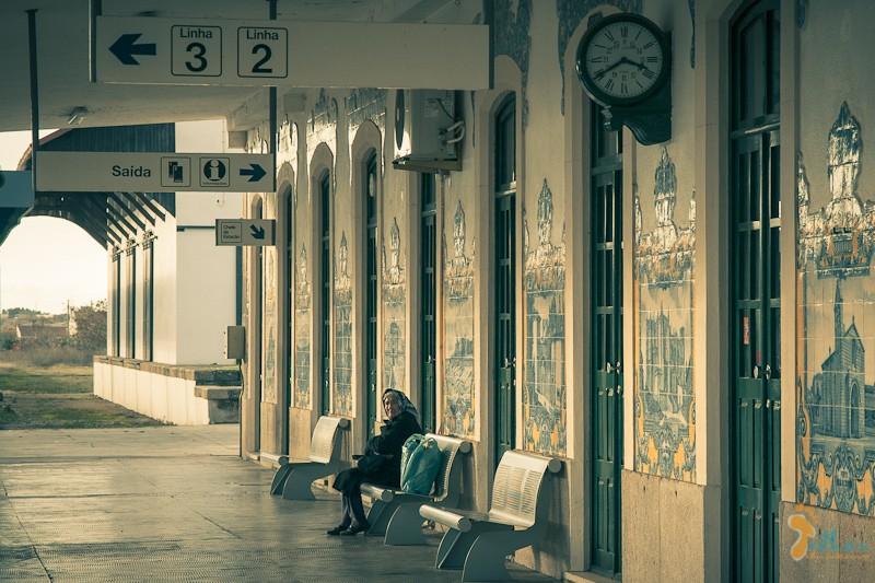 a mulher que via passar os comboios... Estação de Vilar Formoso