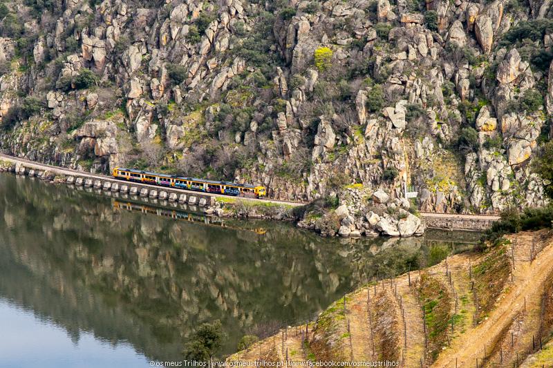 Comboio na Linha do Douro